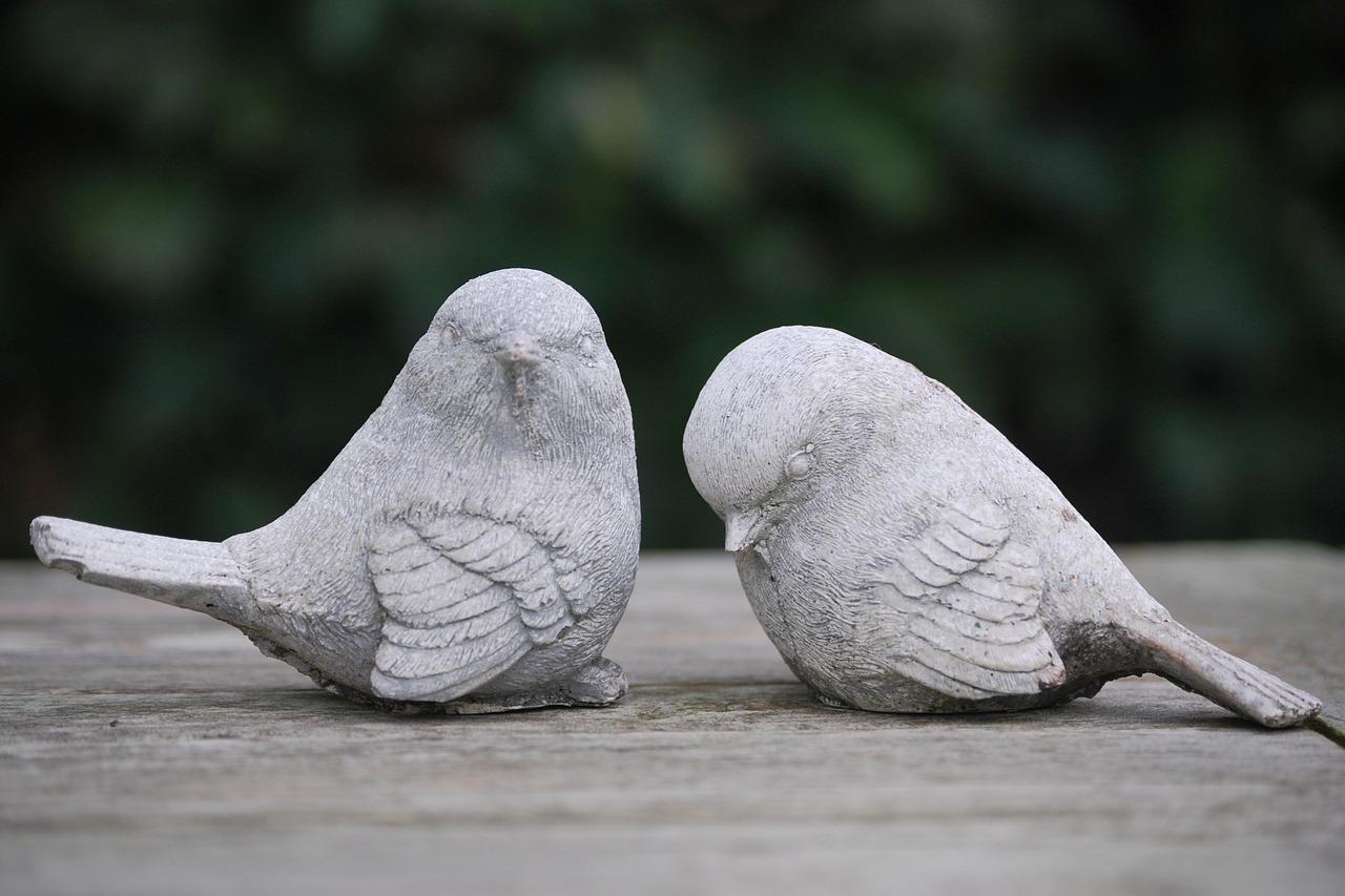 uccellini di cemento