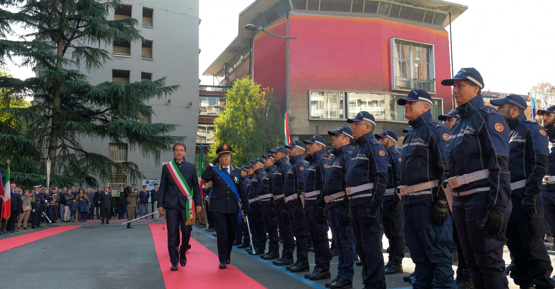 Festa della polizia locale: agenti schierati