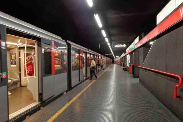 """Stazione metropolitana """"Sesto Rondò"""" M1"""