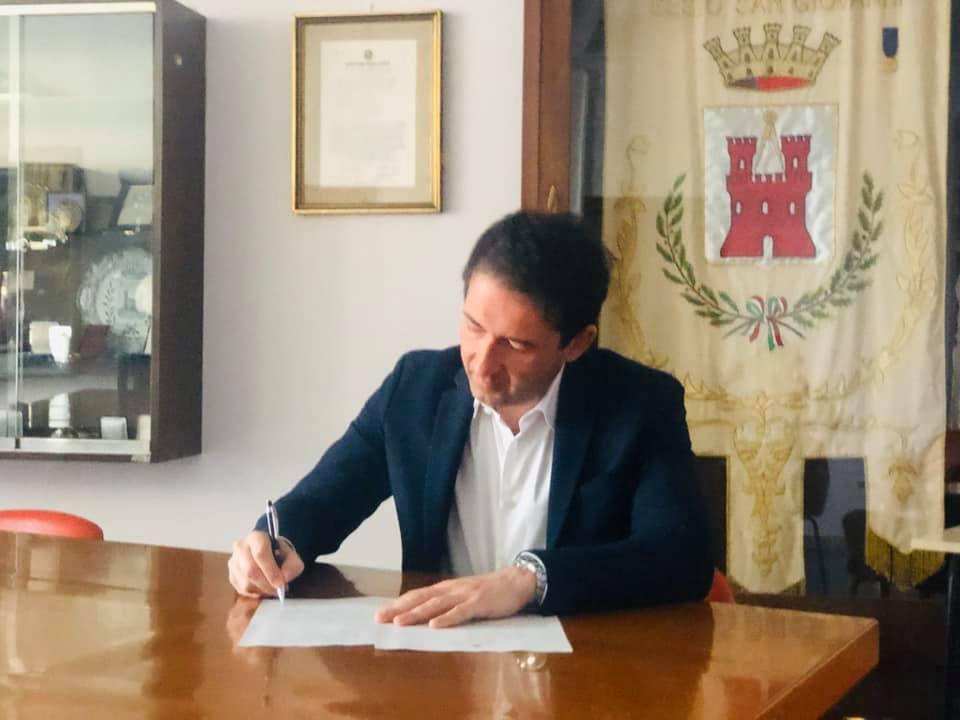 sindaco firma ordinanza