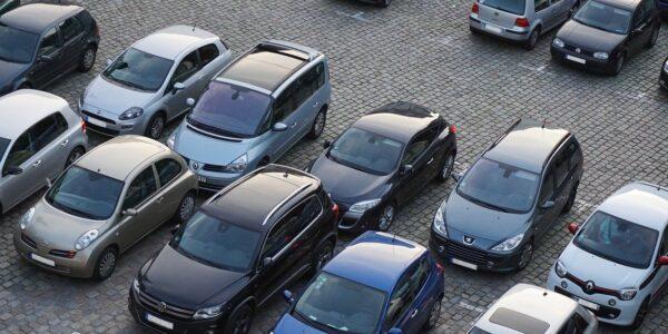 Parcheggi: è in vigore il divieto di sosta per la pulizia delle strade