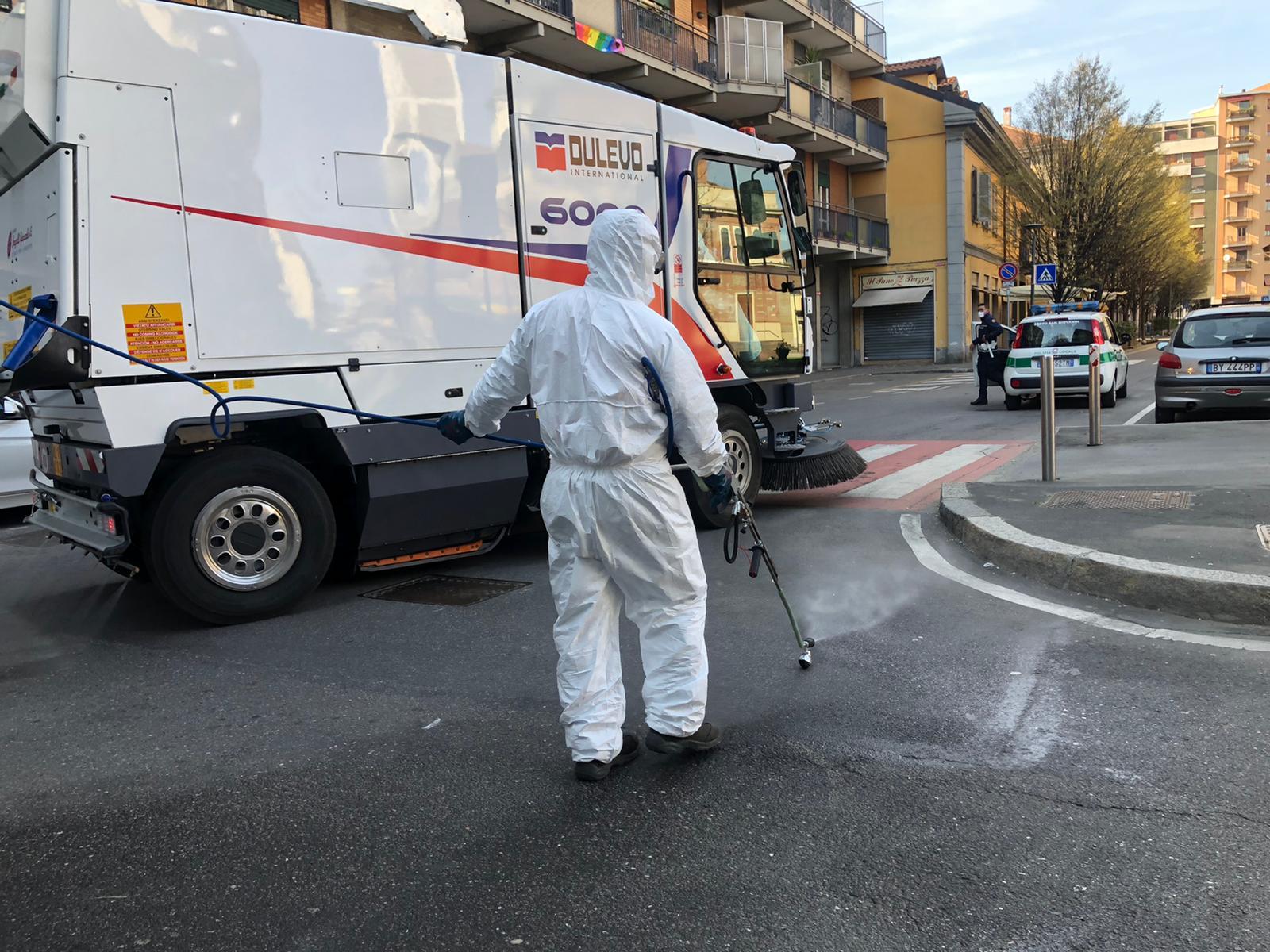 Coronavirus, cominciata l'igienizzazione di tutte le strade della città