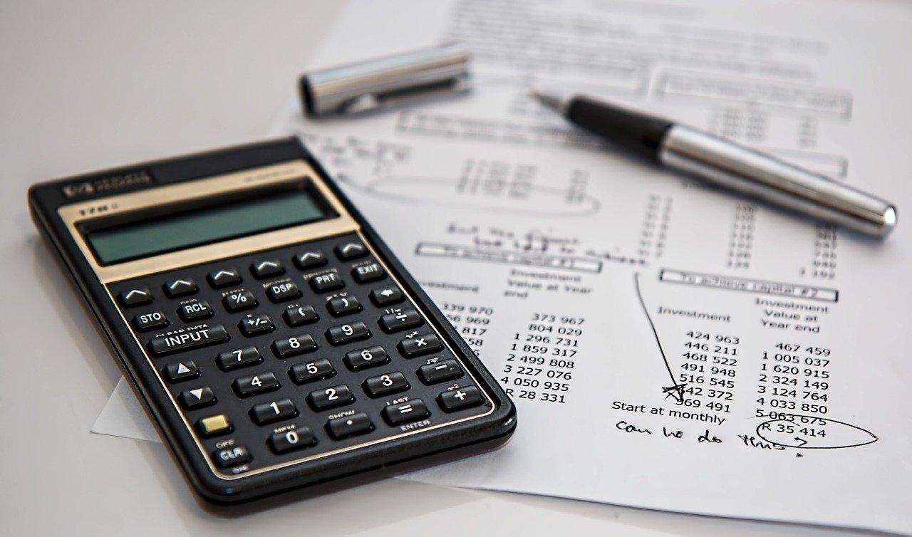 tasse calcolatrice penna documenti