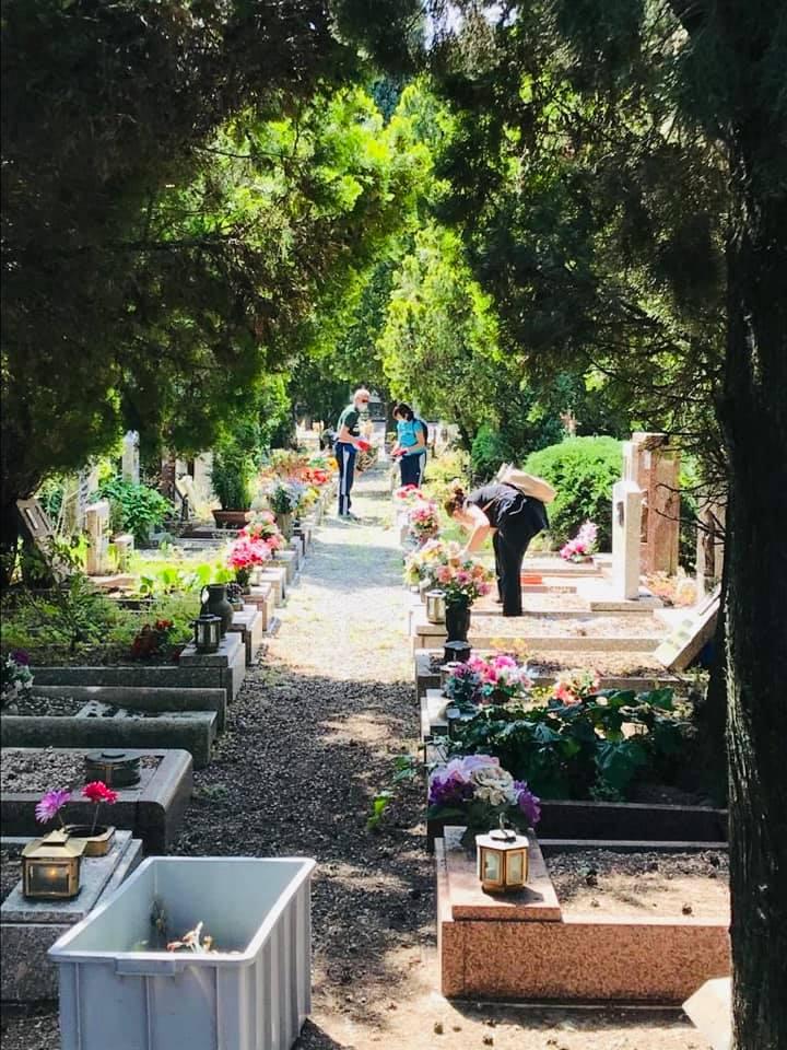 pulizia cimiteri