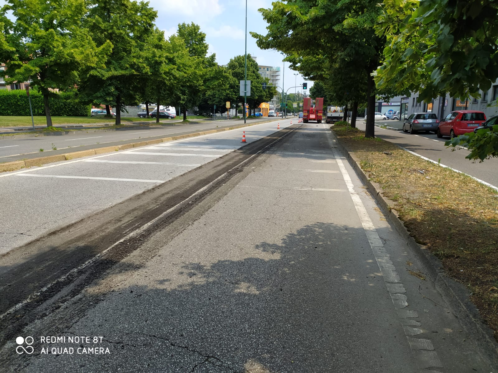 inizio lavori asfaltatura in via Carducci - estate 2020
