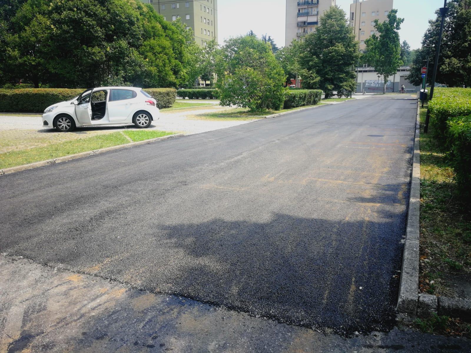 Via Marx ingresso piazzale per la chiesa - asfalto 2020