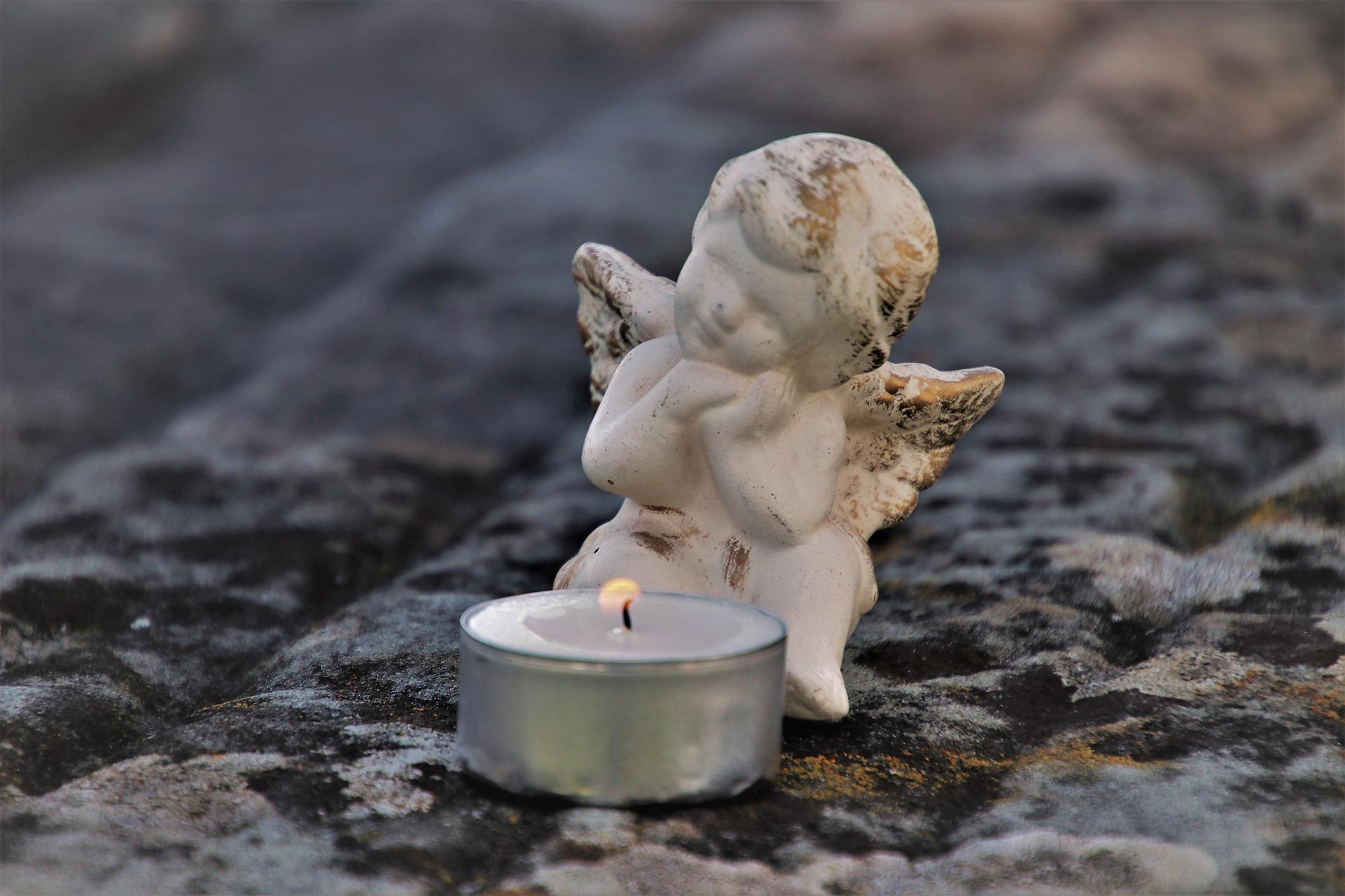 esemplificativa per lampade votive cimitero