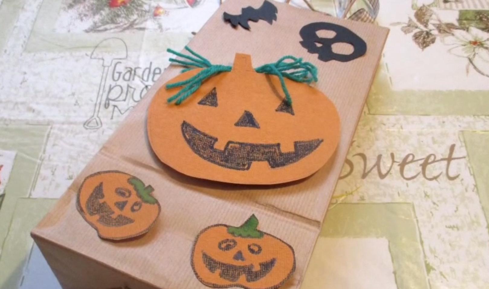 addobbo di carta per Halloween