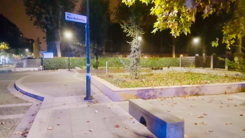 piazza maria ausiliatrice notturna