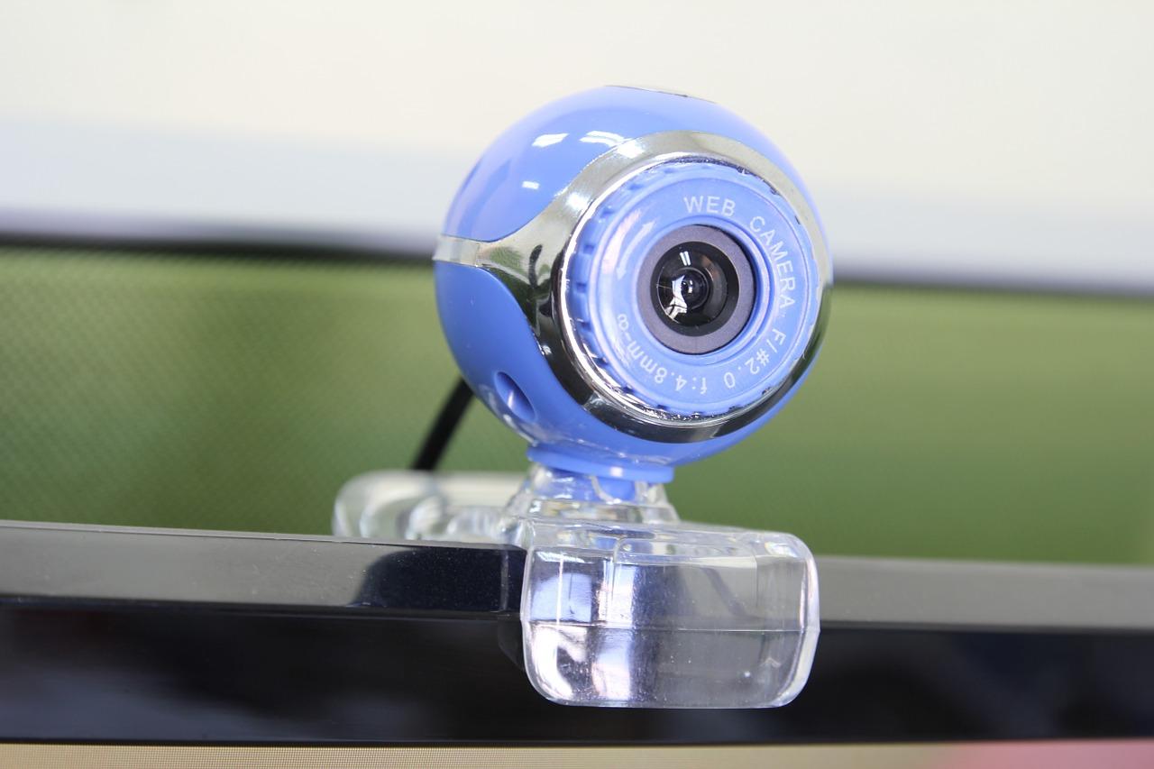 Comune e Rotary Club insieme per migliorare la Dad: webcam nelle aule