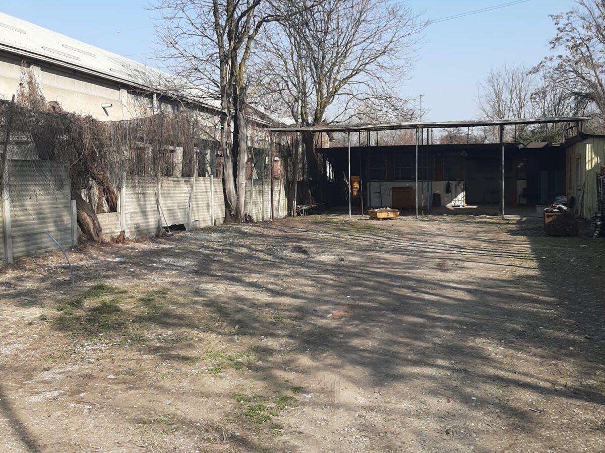 "Polizia Locale, operazione ""Repulisti"" in via Muggiasca: area sequestrata e ripulita"