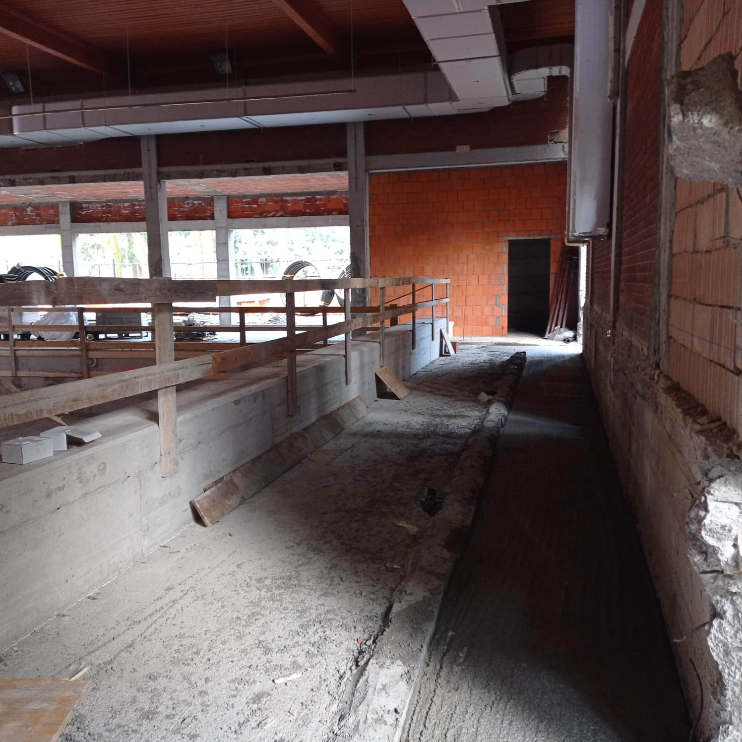 Lavori piscina De Gregorio aprile 2021