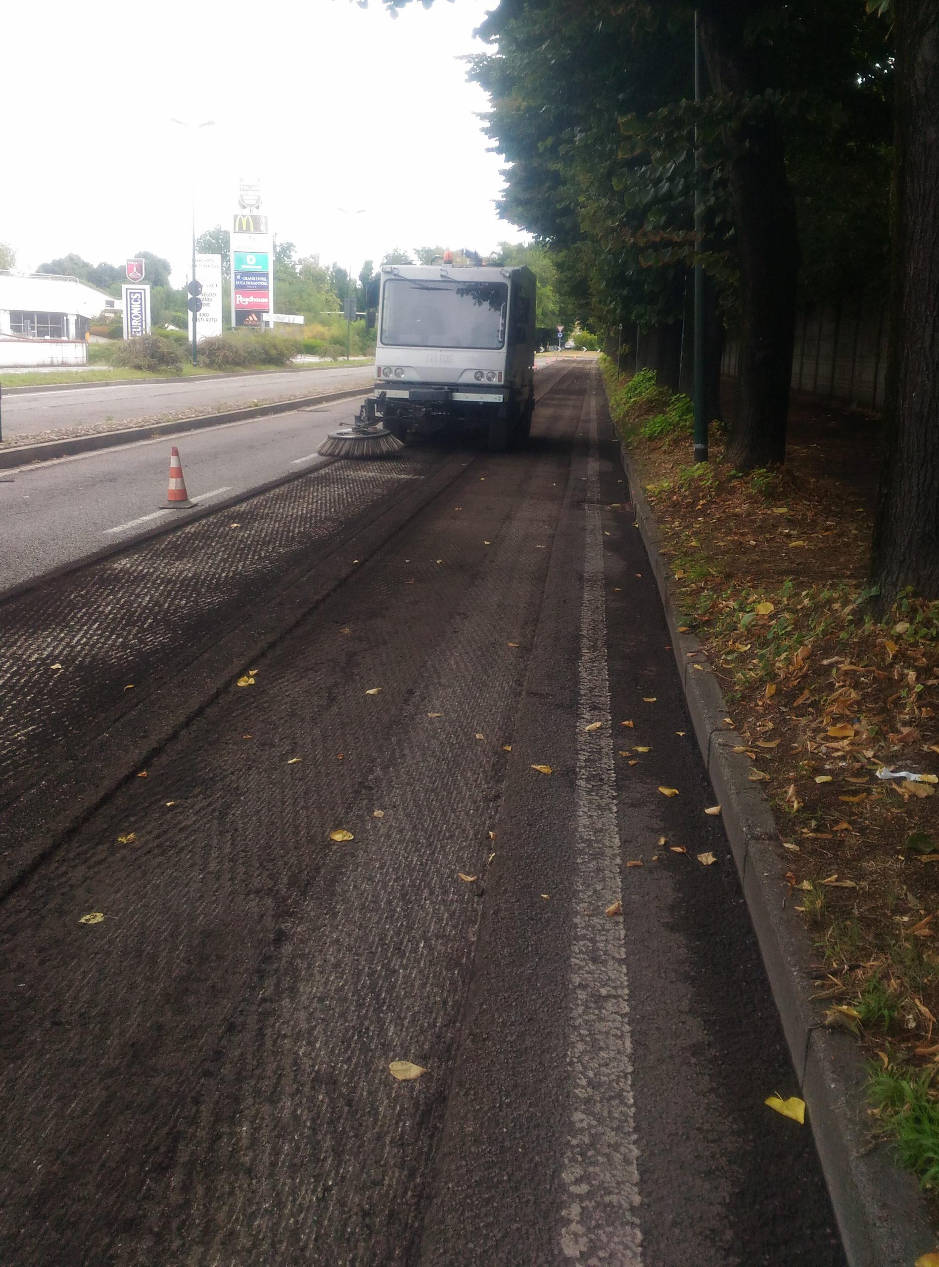 lavori asfaltatura viale italia